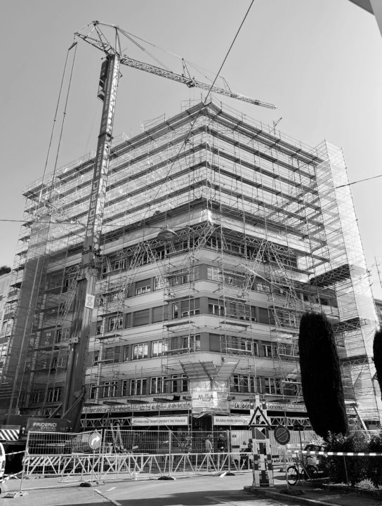 Echafaudage sur l'immeuble de la rue Gautier 13 à Genève