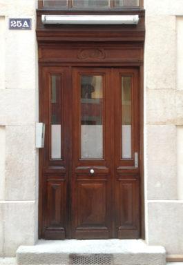 Après les travaux, une porte d'entrée